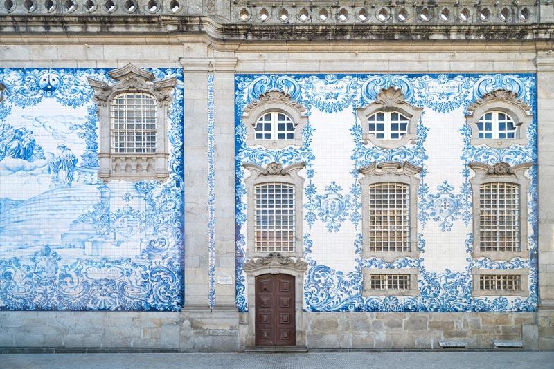 Igreja Do Carmo in Porto een van de 5x doen tijdens een stedentrip Porto
