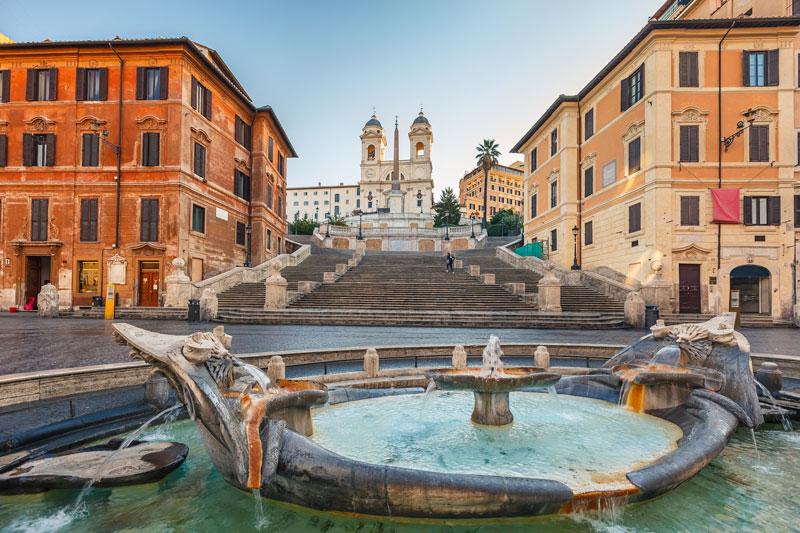 Plaza de España en Roma hoort bij een van de leuke stedentrips winter Rome
