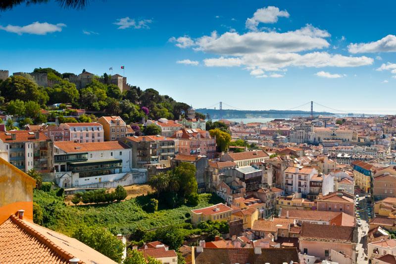 Prachtig uitzicht op Lissabon behoort tot een van de populaire stedentrips