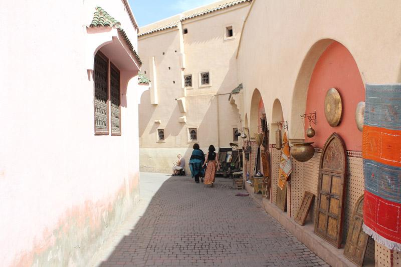 Een straatje in de Medina behoort tot een van de Populaire stedentrips