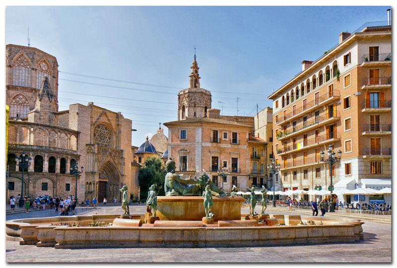 Plaza de la Virgen hoort bij een van de leuke stedentrips winter Rome
