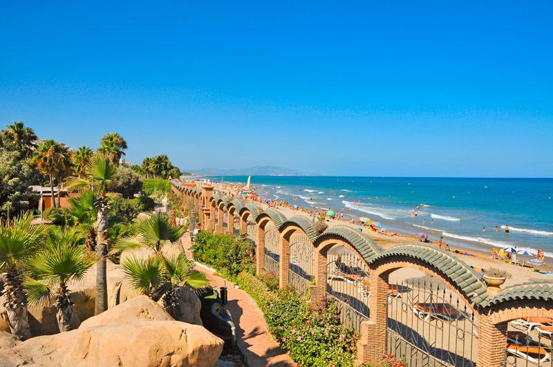 Het heerlijke strand en de boulevard van Valencia behoort tot een van de Populaire stedentrips
