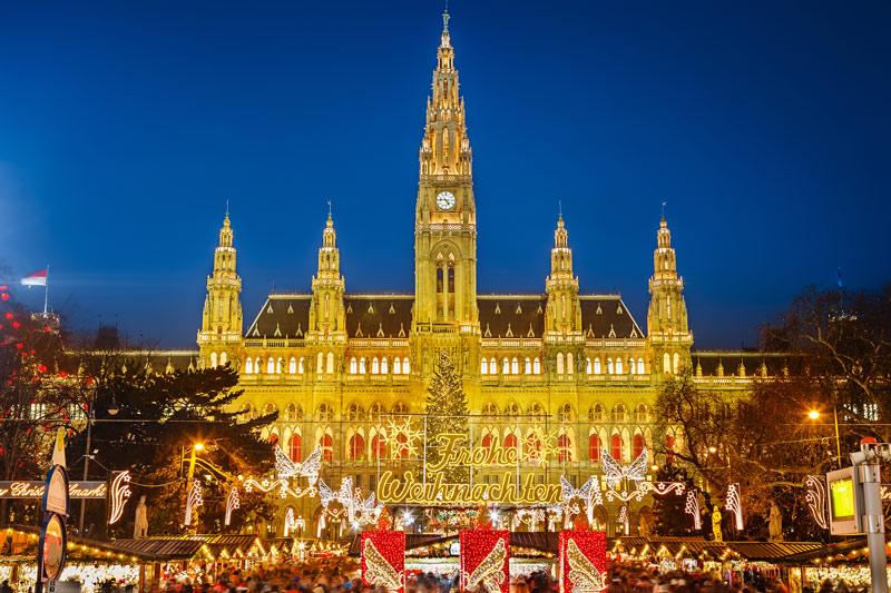 De kerstmarkt 2020 Christkindlmarkt in Wenen op een van de top 15 mooiste kerstmarkten van 2020