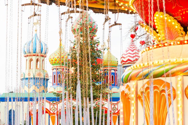 Het versierde park Tivoli tijdens de kerstmarkt 2020 op een van de top 15 mooiste kerstmarkten van 2020