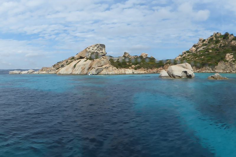 Sardinie La Maddalena Archipel hoort bij de route voor een rondreis Sardinië