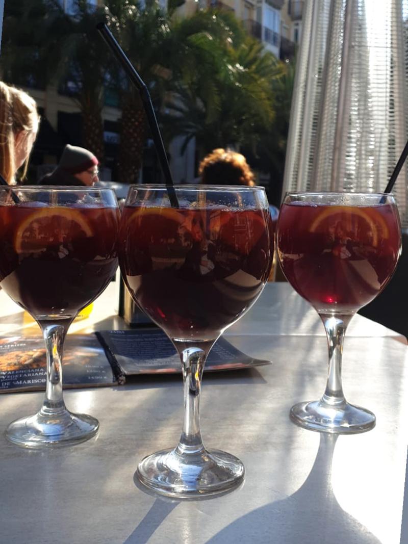 Sangria drinken in Valencia hoort bij Bebsy in Spanje de Valencia tips