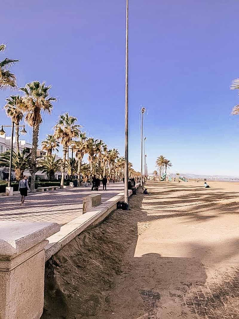 Het strand van Valencia hoort bij Bebsy in Spanje de Valencia tips