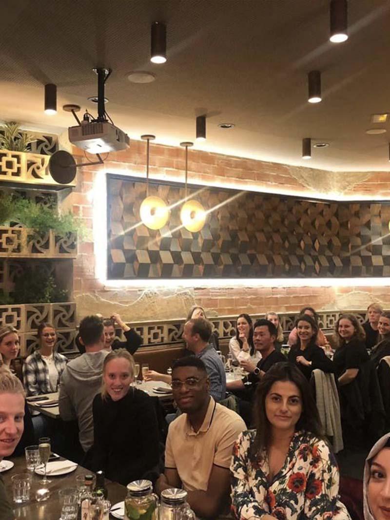 Het Bebsy team in het restaurant La Manera hoort bij Bebsy in Spanje de Valencia tips