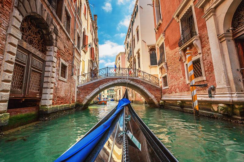 Gondel gracht in Venetië behoort tot 5x de leukste stedentrips Italië in Rome