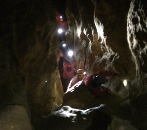 Binnen de grottentour hoort bij een van de 5 verborgen hotspots Budapest