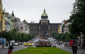 Het Wenceslasplein met het Nationaal Museum