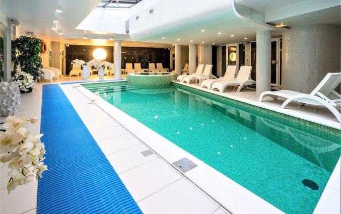 Zwembad van Wellton Centrum Hotel en Spa in Riga