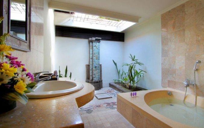 Badkamer van Tonys Villas & Resort op Bali