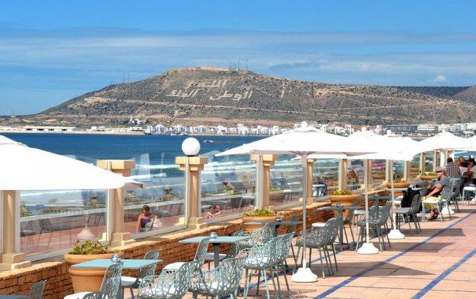 Terras van hotel Atlas Amadil Beach Aqua Sun in Agadir