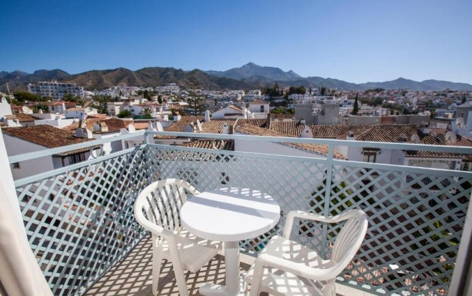 Balkon van hotel Villa Flamenca in Nerja