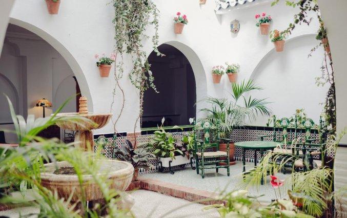 Binnenplaats van hotel Villa Flamenca in Nerja