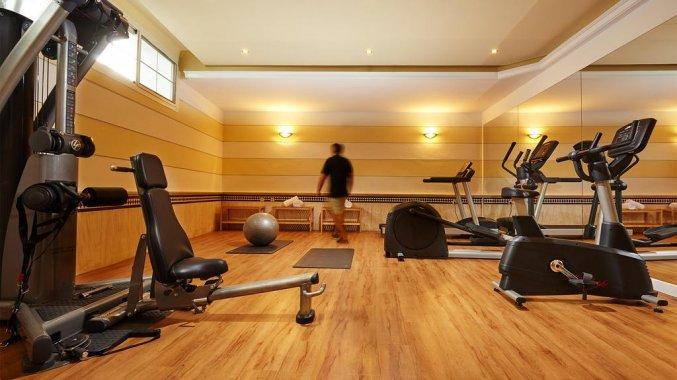 Fitnessruimte van hotel Villa Flamenca in Nerja