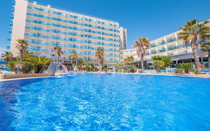 Zwembad van hotel Golden Taurus Aquapark in Costa Brava
