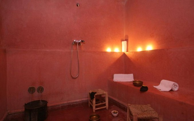 Badkamer van Riad Sidi Ayoub in Marrakech