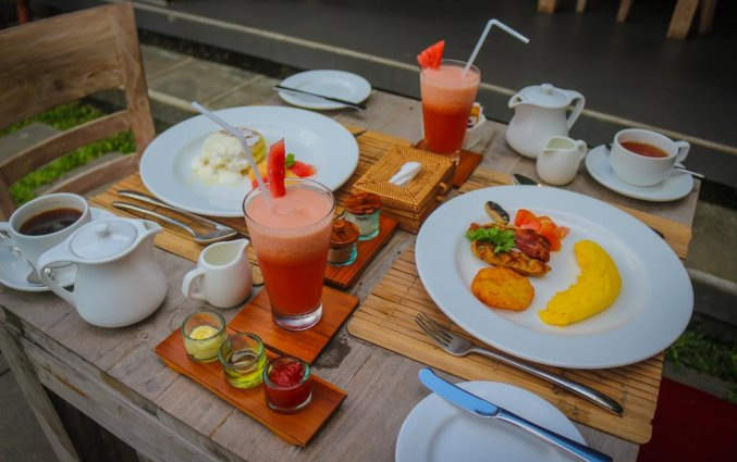 Diner van hotel Tapa Tepi Kali in Bali