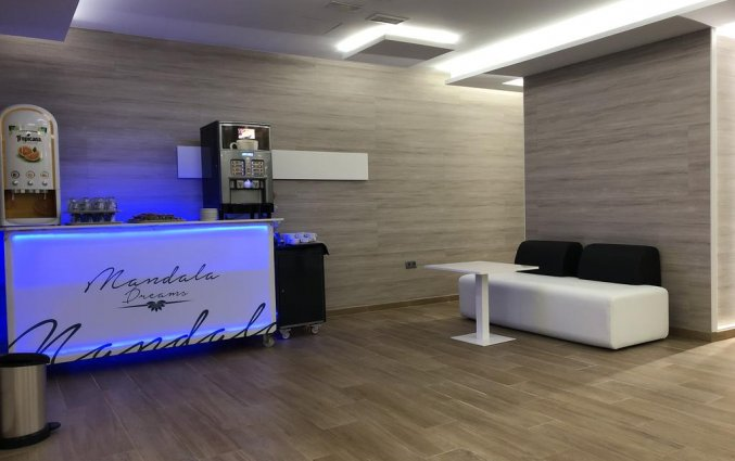 Bar van hotel Resort Flamingo Beachin Alicante