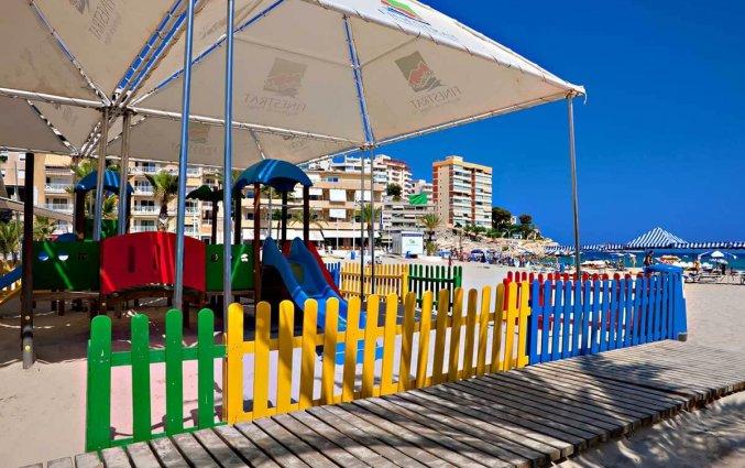 Speeltuin van hotel La Cala in Alicante