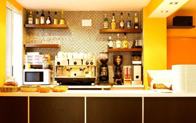 Bar van hotel La Cala in Alicante