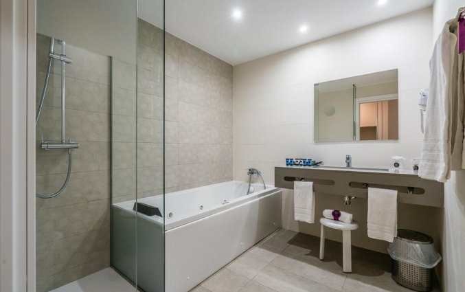 Badkamer van hotel Albir Playa inAlicante