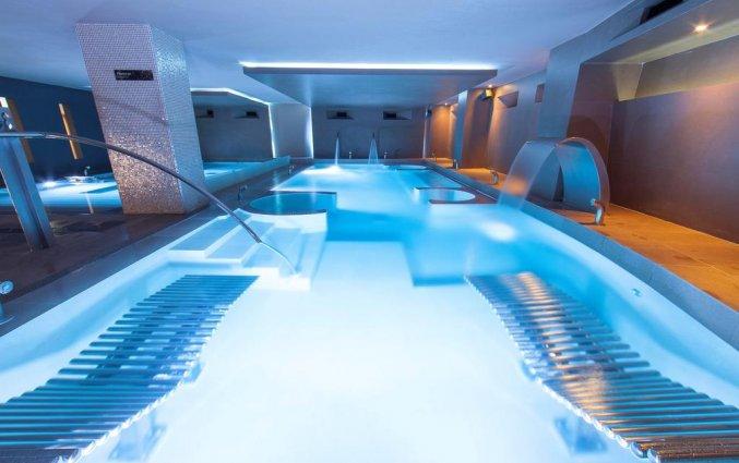 Zwembad van hotel Albir Playa inAlicante