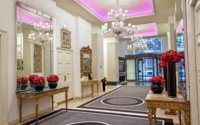 Hal van hotel Savoy in Rome
