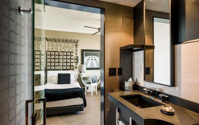 Badkamer van Hotel Room Mate Waldorf Towers