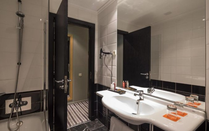 Badkamer van hotel Room Mate Larios in Malaga