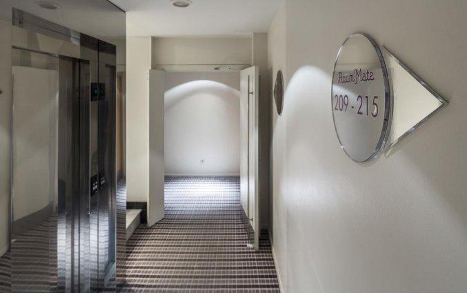 Gangen van hotel Room Mate Larios in Malaga