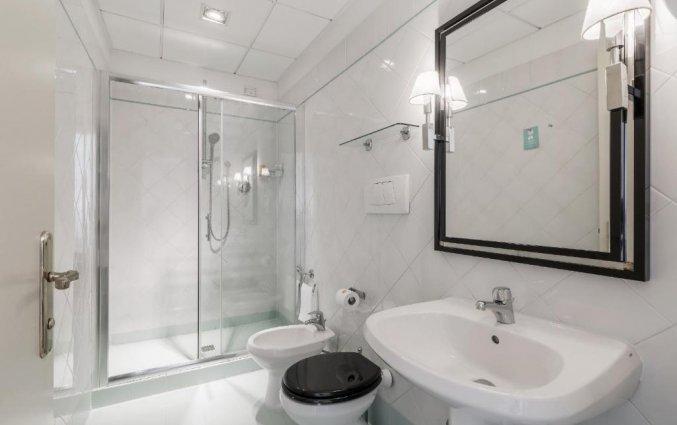 Badkamer in een kamer van Hotel Room Mate Luca in Florence