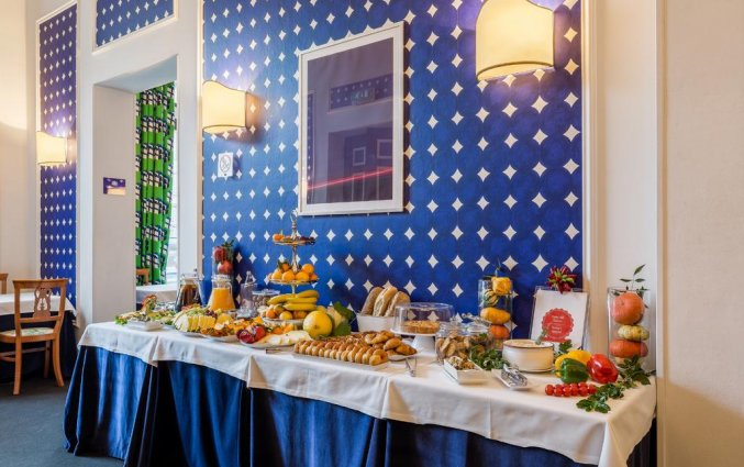 Ontbijtbuffet van Hotel Room Mate Luca in Florence