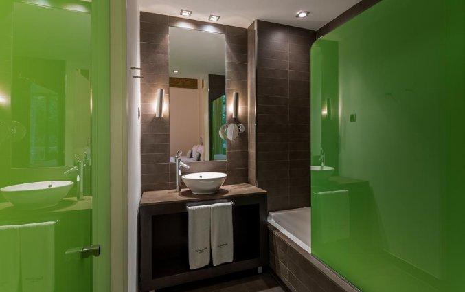 Badkamer van hotel Room Mate Carlain Barcelona