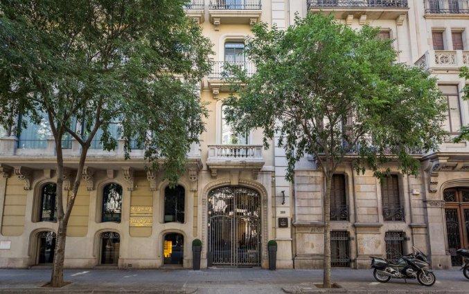 Ingang van hotel Room Mate Carlain Barcelona