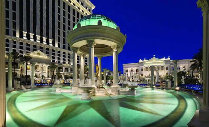 Buitenzwembad van Hotel en Casino Caesars Palace in Las Vegas