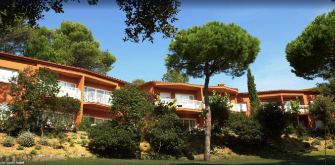 Gebouw van Appartementen Albamar in de Costa Brava