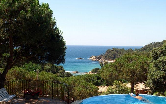 Buitenzwembad van Appartementen Albamar in de Costa Brava