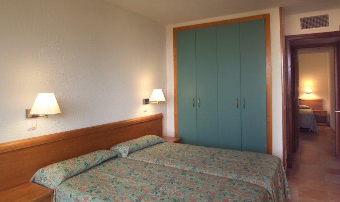 Slaapkamer van Appartementen Albamar in de Costa Brava