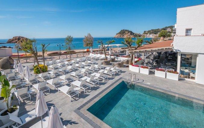 Zwembad van Hotel Golden Mar Menuda aan de Costa Brava