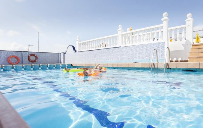 Zwembad van hotel Pi-mar in Costa Brava