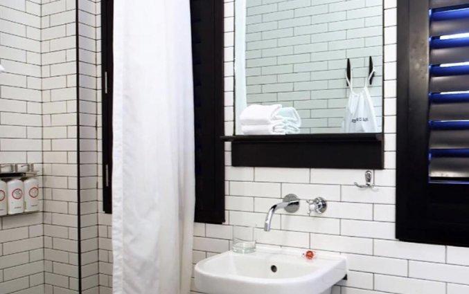 badkamer van kamer van hotel Pod