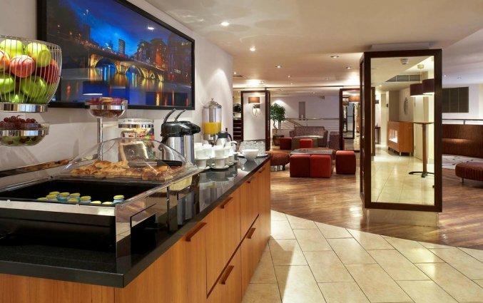 Ontbijtruimte van Hotel Mercure Brigstow in Brigstow