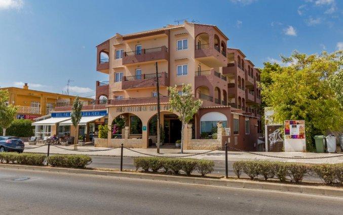 Gebouw van Hotel Santa Ponsa Pins op Mallorca
