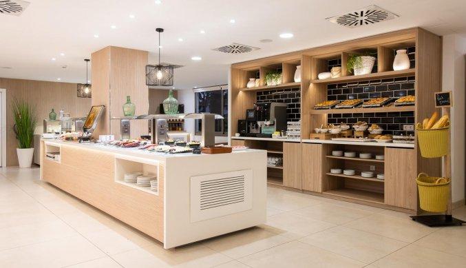 Buffet van Hotel Tomir Portals Suites op Mallorca