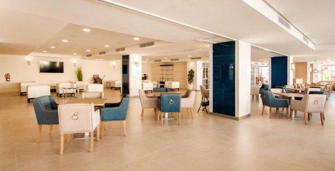 Lobby van Hotel Tomir Portals Suites op Mallorca