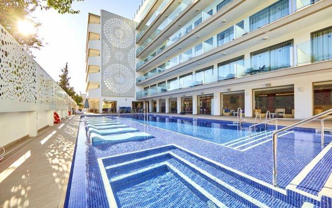 Zwembad van Hotel Indico Rock in Mallorca