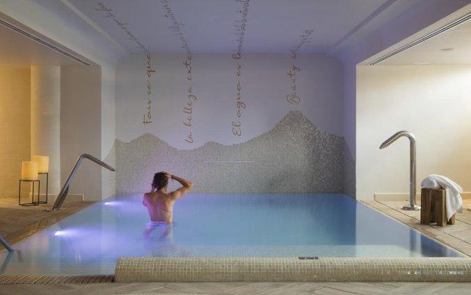 Binnenzwembad van Hotel Luna Park & Spa